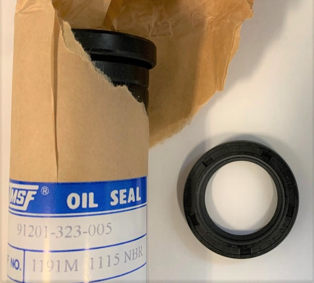 HONDA CRANKSHAFT ENGINE OIL SEAL 30 x 45 x 8mm 91201-323-005